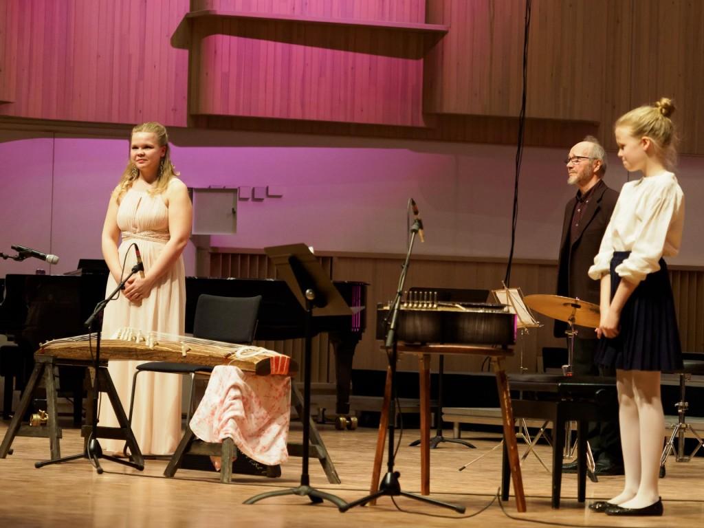 Kimono-kappaletta soittamassa oppilaani Maijan ja Veikon kanssa